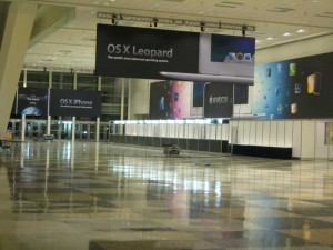 WWDC 2008 Banners Hung in Moscone West