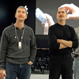 tim cook steve jobs The Beginning of a New Era, or the End of a Dynasty?